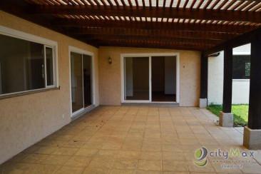 Casa en venta UN NIVEL! eN kM.23 Carretera al Salvador