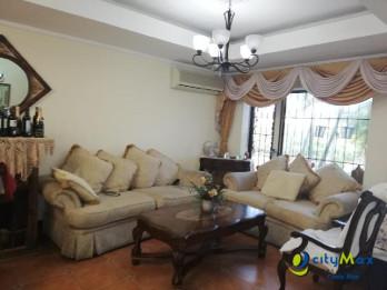 Casa en venta en Lagunilla Heredia CR, en Residencial