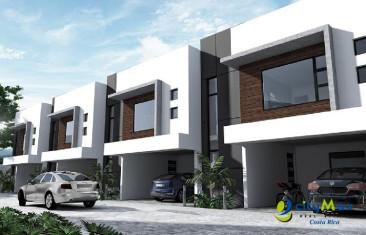 Casa en venta en Heredia en Condominio en Real Cariari