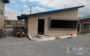 Local en renta de 100 m2 en CC Plaza Real Chimalt