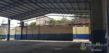 BODEGA de 1,475 m2 y 3,705 vrs sobre Bulevar Venezuela