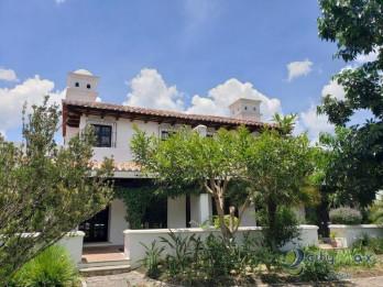 Venta de casa dentro de residencial Antigua Guatemala!