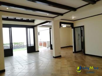 Oferta venta de hermoso Townhouse en San Rafael Escazú