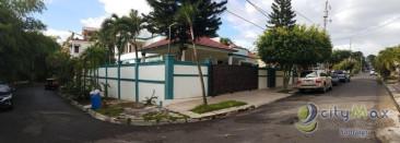 Casa en VENTA ubicada en La Zurza, santiago.