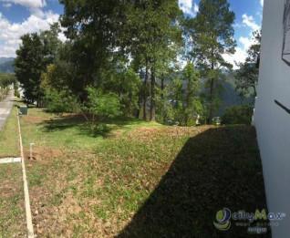 Venta de amplio terreno en residencial en Antigua G.