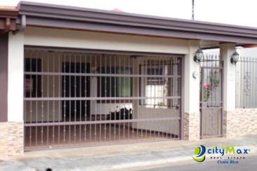 Casa en venta en San Joaquín de Heredia en residencial.