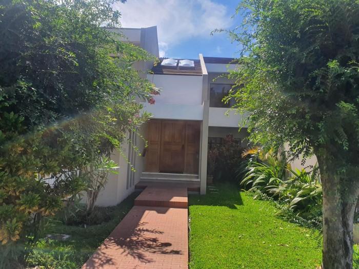 Alquilo Casa en Residencial Zona 14