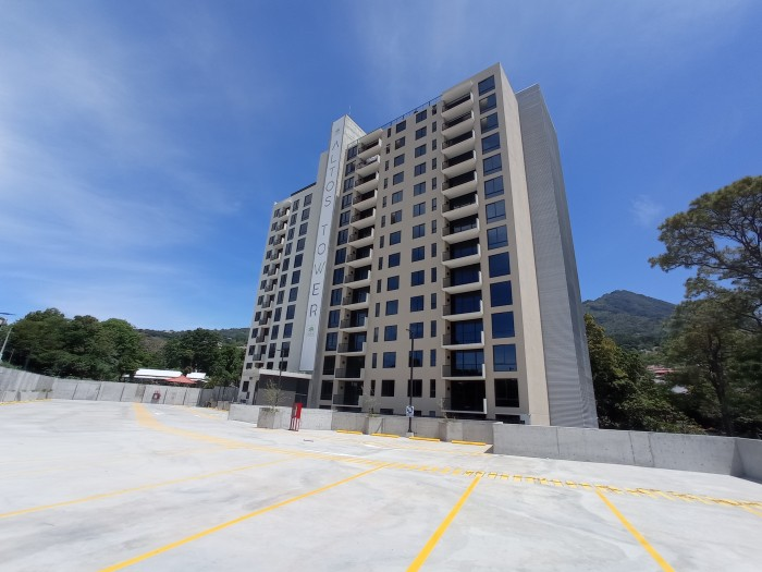 Apartamento a estrenar Altos Tower Escalón último piso