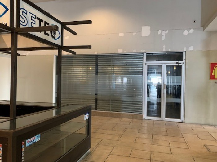 RENTA Kiosko en Centro Comercial zona 12 Atanasio Tzul