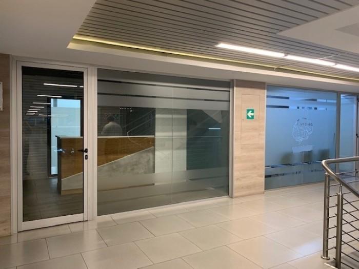 Oficina/Clínica en RENTA zona 9, Edificio Zona Médica