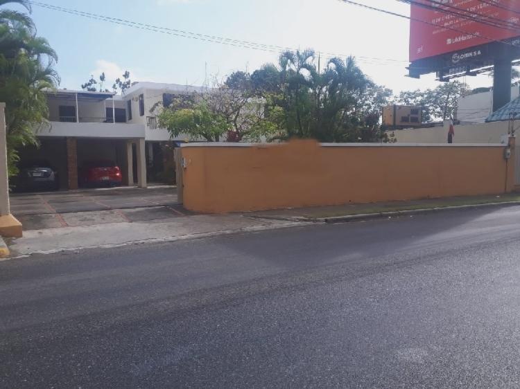 Casa en Alquiler para uso comercial, Arroyo Hondo Viejo