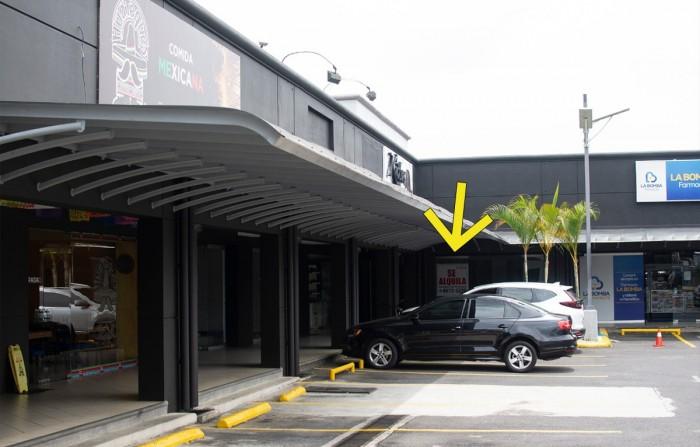 Se alquila Local en Zapote Plaza Registro