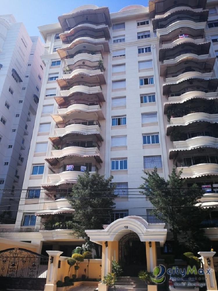 Apartamento en Alquiler de 3 hab en Bella Vista