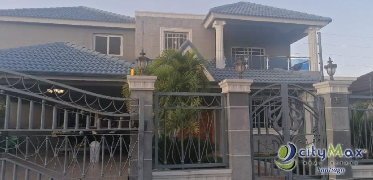 Casa en venta en Urbanización Villa María, Santiago