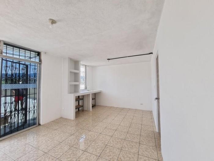 Apartamento en Renta en Segundo Nivel en San Cristóbal