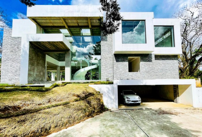 Casa de lujo en venta Carretera a el Salvador