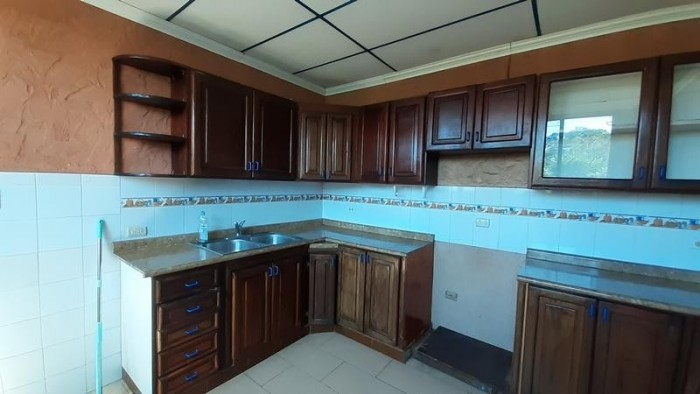 Apartamento en Renta Zona 11 Mariscal. 2 hab. y 1 parq.