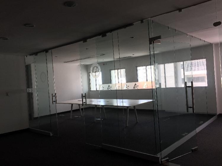 Locales para oficinas en Torre Empresarial en La Julia