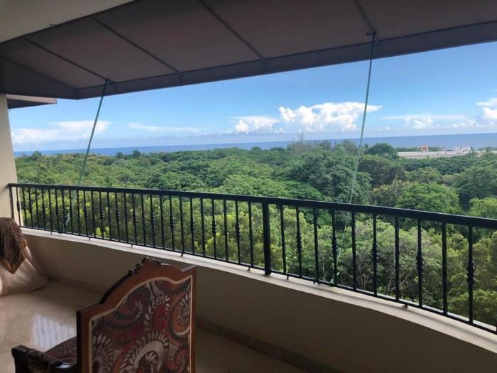 Penthouse en los CACICAZGOS con hermosa vista al mar