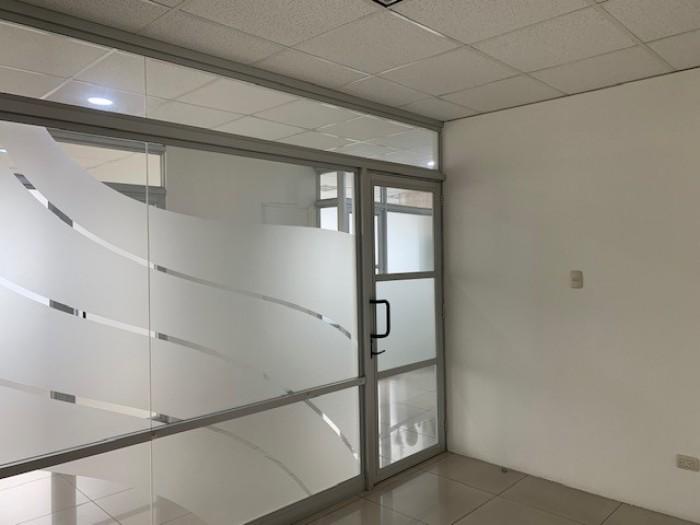 RENTA oficina/clínica medica Sixtino zona 10