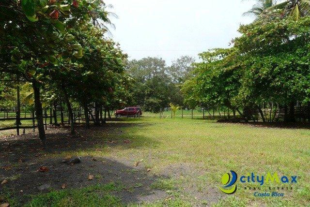 Se vende terreno frente al mar Playa Bajamar Puntarenas