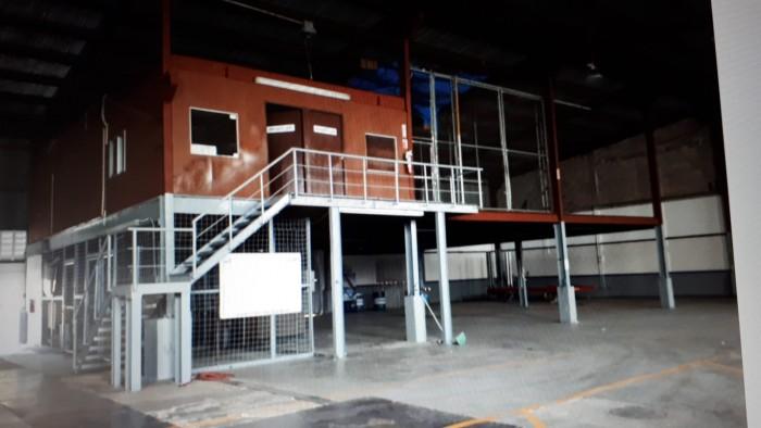 Renta de Nave Industrial en Avenida Monumental