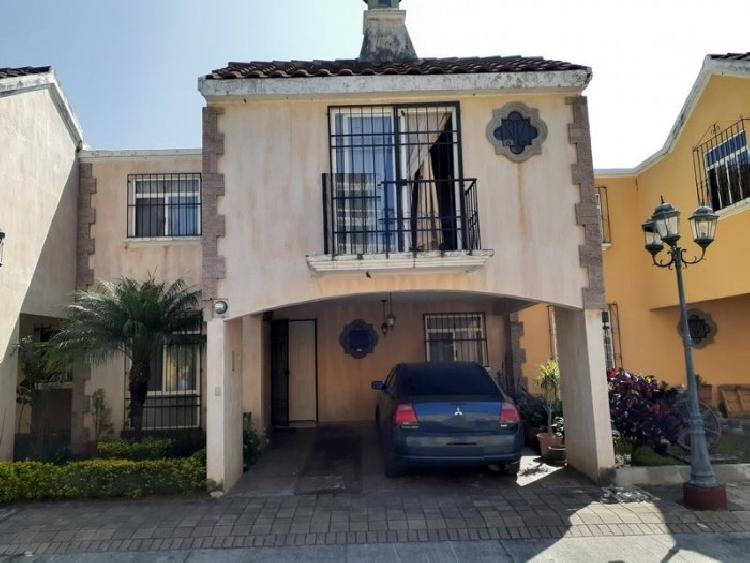 Casa  en Venta Villa Canales en Condominio con Garita