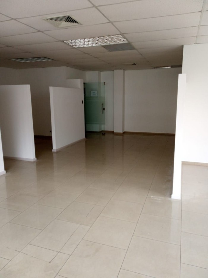Alquilo local comercial en Piantini