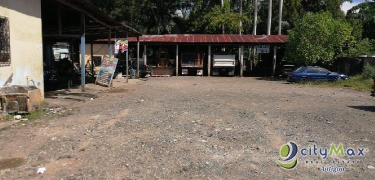 Terreno en renta a orilla de carretera en Río Dulce