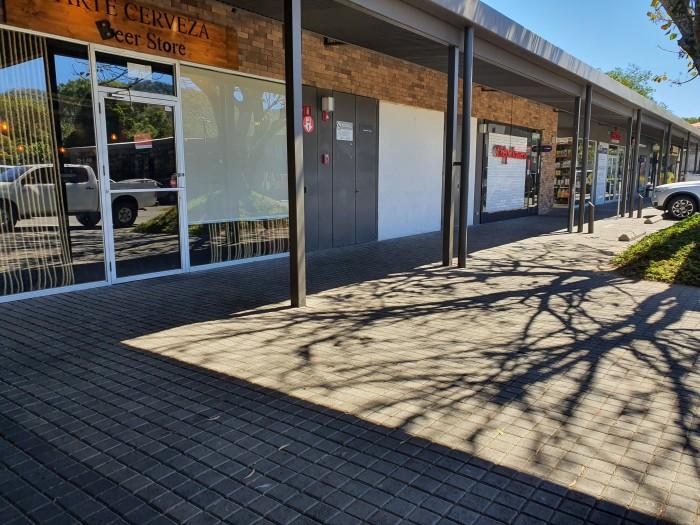 ALQUILO local Centro Comercial La Skina Santa Tecla