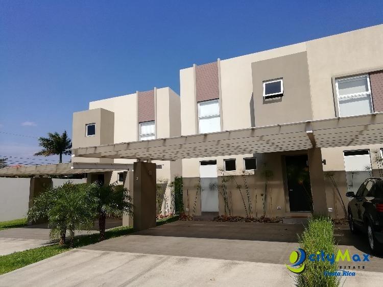 CityMax vende Casa moderna tipo loft en Santa Ana