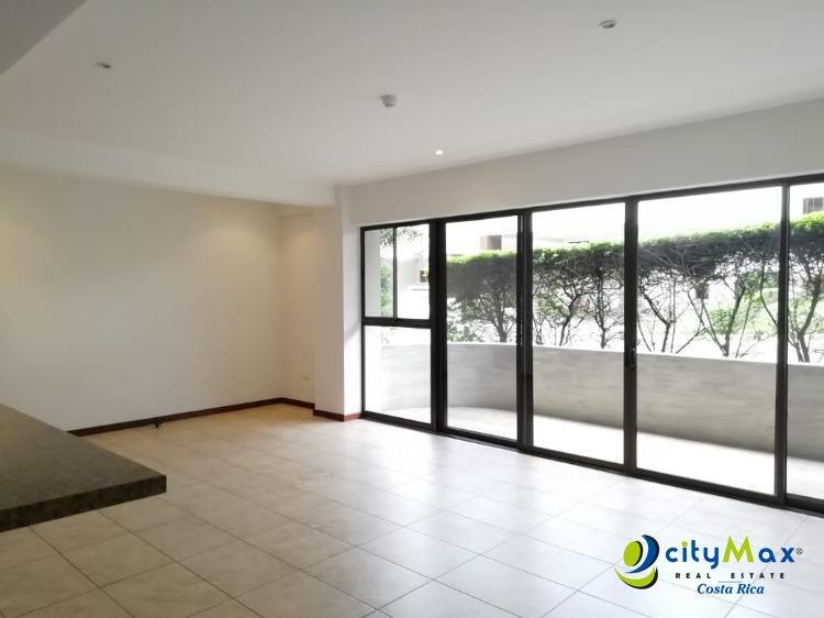 Se vende Apartamento muy amplio en condominio en Escazú