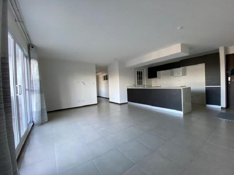 Apartamento Amplio en renta Zona 11 Mariscal, Guatemala