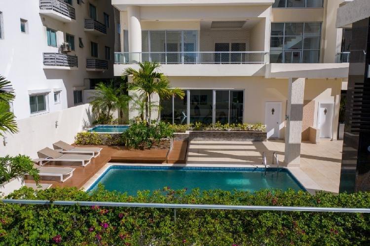 Vendo exclusivo apartamento con terraza en Piantini RD