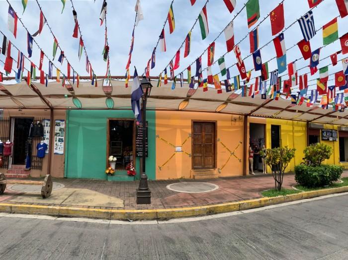 Se vende casa comercial sobre Paseo el Carmen