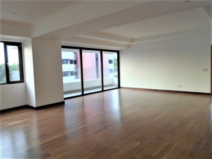 Alquilo o Vendo Apartamento con 330Mts Murakami Zona 14