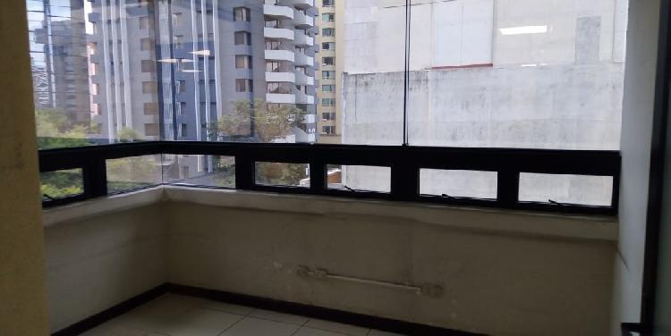 OFICINA EN RENTA DE VARIOS AMBIENTES EN ZONA 10
