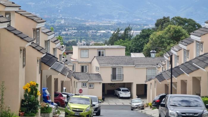 Casa en Venta en Condominio en San Cristóbal, Mixco