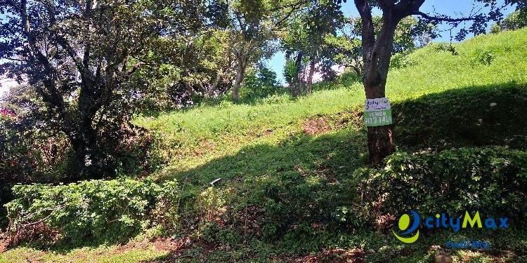Lote residencial en venta en Birrí Heredia con vistas!