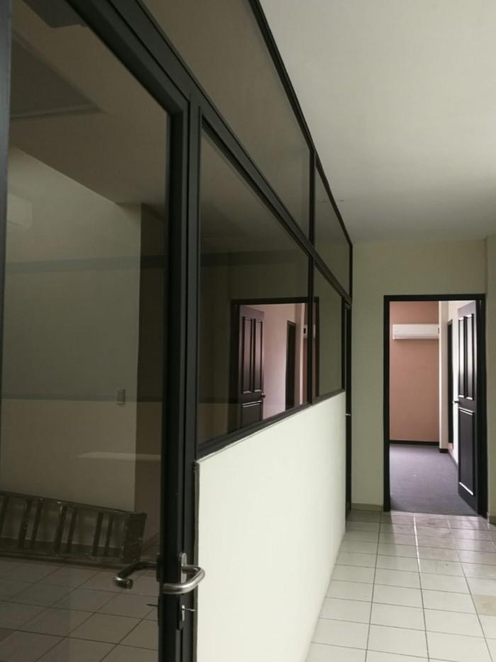 Edificio en Alquiler en Colonia Escalón 350 metros
