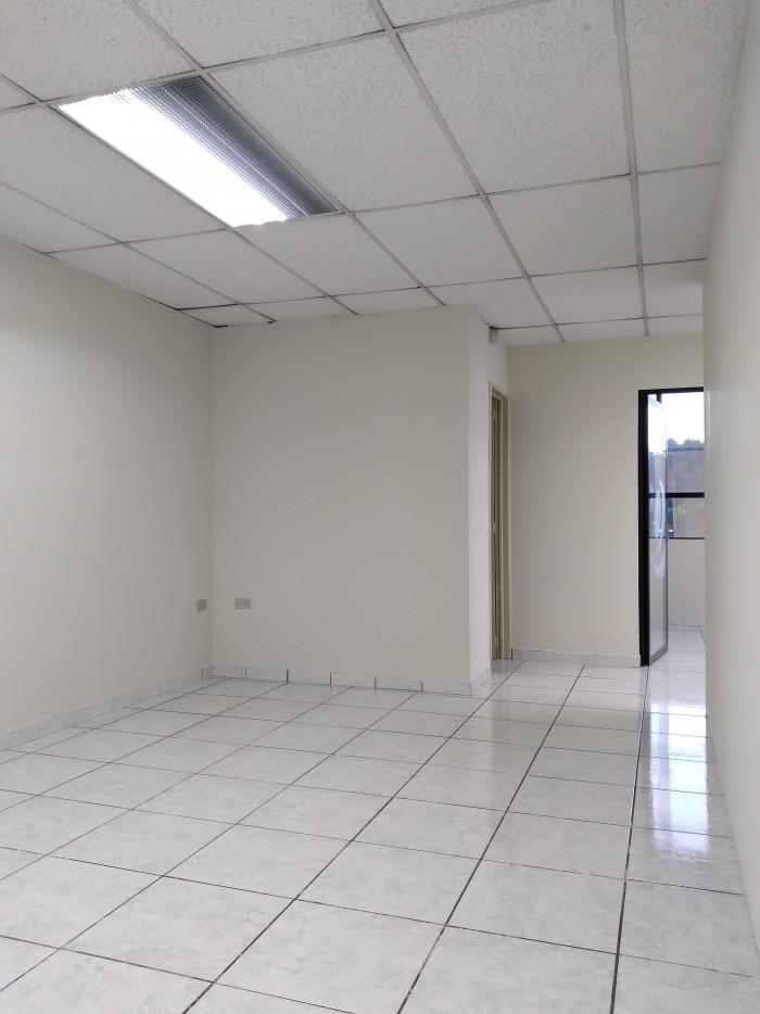 Oficina en renta con buena ubicación en zona 9.