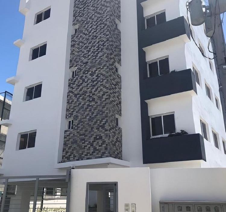 Apartamento de 3 habitaciones en la Prolongación 27