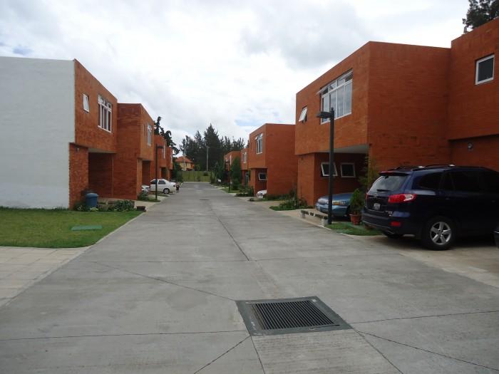 RENTA  casa en San Gaspar zona 16,en condominio