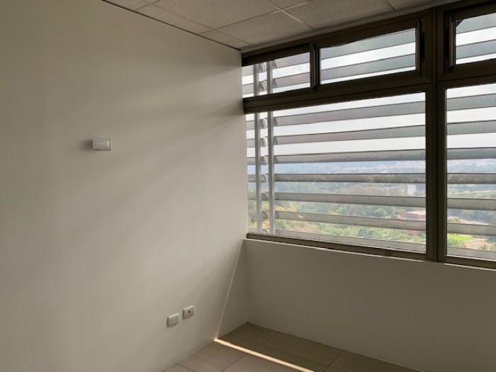 ALQUIILER clínica u oficina en Sixtino zona 10