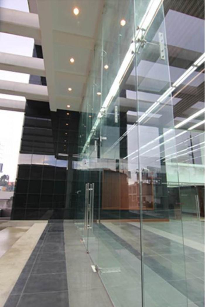 RENTA Oficina edificio Scena km 16 Carretera Salvador