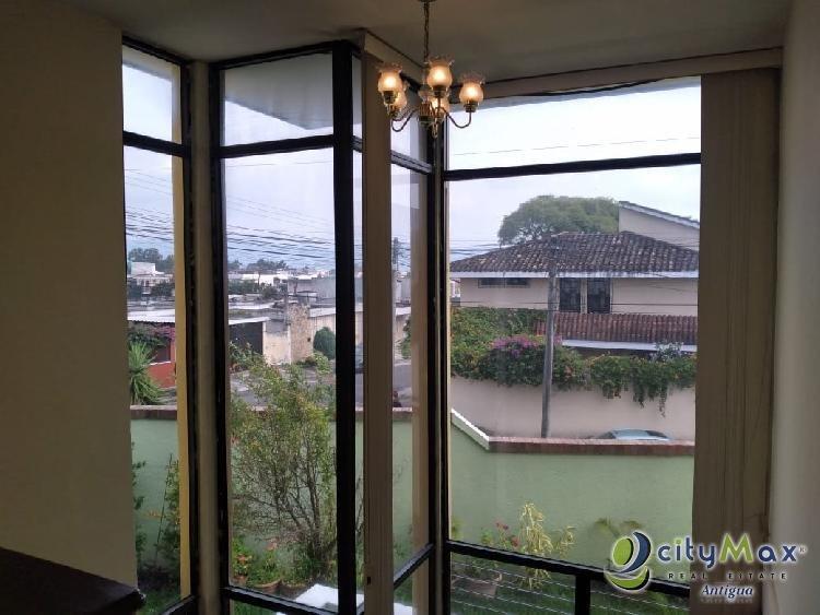 Renta de Casa en Residencias de Monte María Zona 12