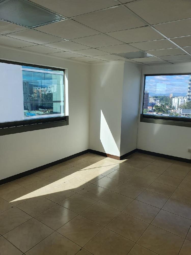 Renta de Amplia Oficina en Edificio Zona 10 Torino