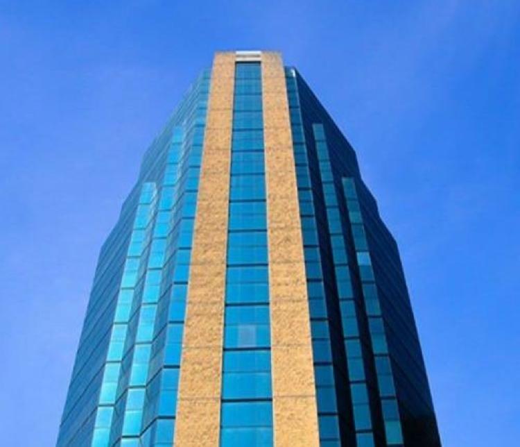 Local en RENTA, Edificio exclusivo ZONA 10