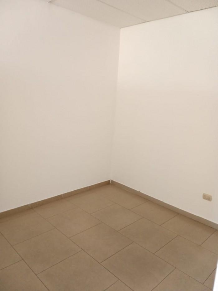 Alquilo local para oficina en Piantini