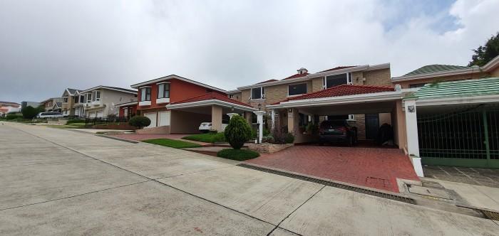 VENTA casa en Condominio km. 20 Carretera a Fraijanes